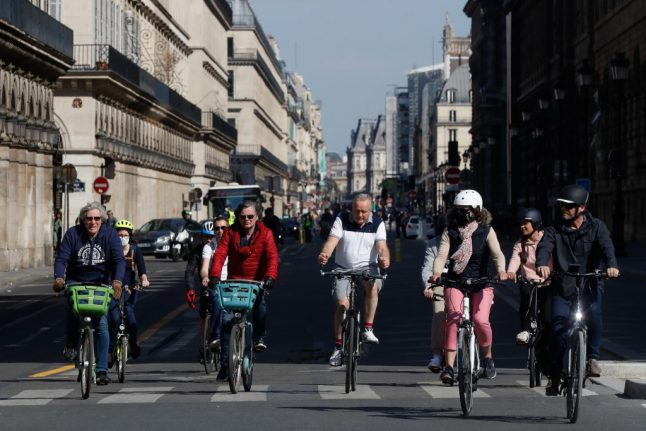 Long waiting lists in Paris cycle shops as city gets on its bike