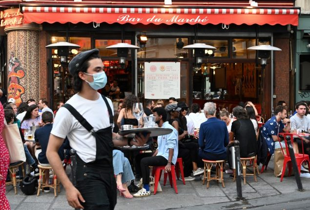 'Everyone wants to be outside' – How Paris cafés are coping with new health rules