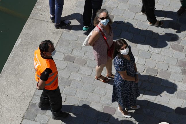 Paris mayor plans to make face masks compulsory in the street