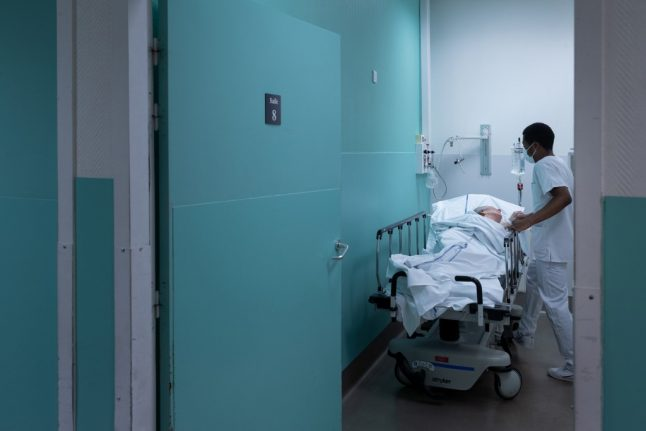 France sees rise in number of coronavirus intensive care patients