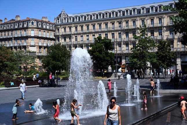 Toulouse becomes first French city to make masks compulsory in all outdoor areas