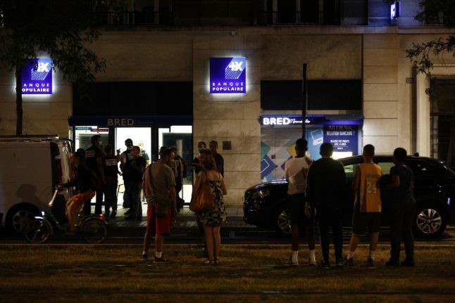 Hostages freed after stand-off in bank in Le Havre