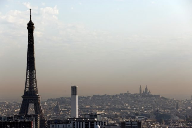 Paris shaken by sonic boom from fighter jet