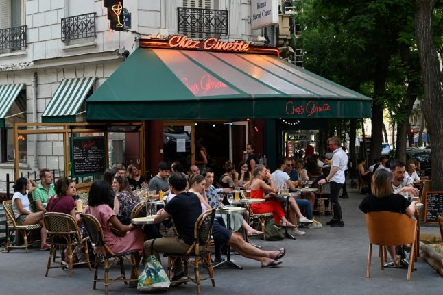 Bar closures and local lockdowns: What new Covid-19 restrictions could France impose?