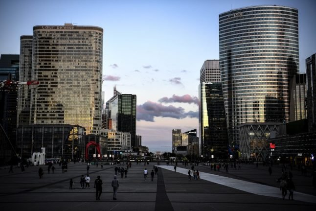 'Feels like it's dying' - In the sleeping towers of Paris' vast business district
