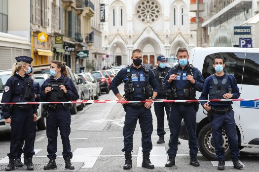 Shocked France bolsters security after church killings