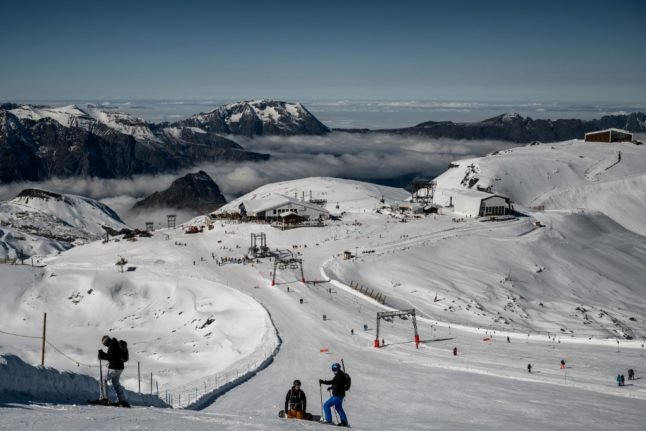 France to allow winter resorts to open… but ski lifts will remain closed