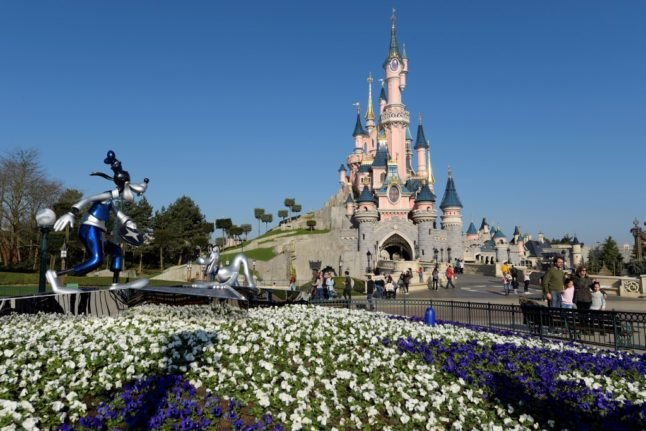 Disneyland Paris to stay closed until February