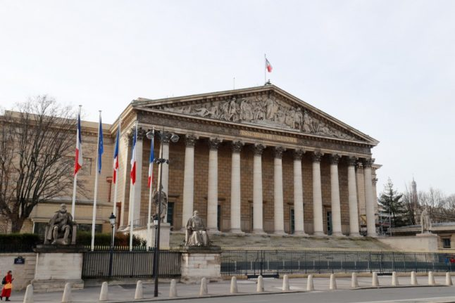 French government publishes decree laying out rights of British residents after Brexit