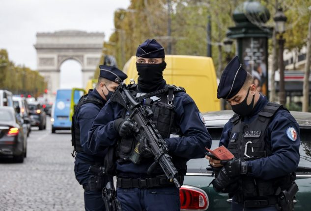 France to increase police checks to crack down on lockdown rule breakers