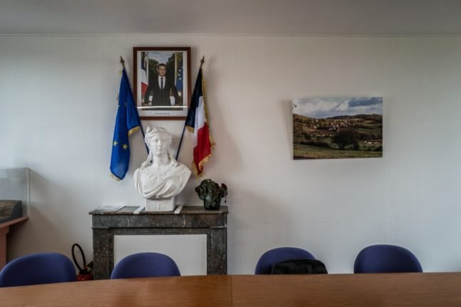 France gives citizenship to 2,000 foreigners who did essential work during the pandemic