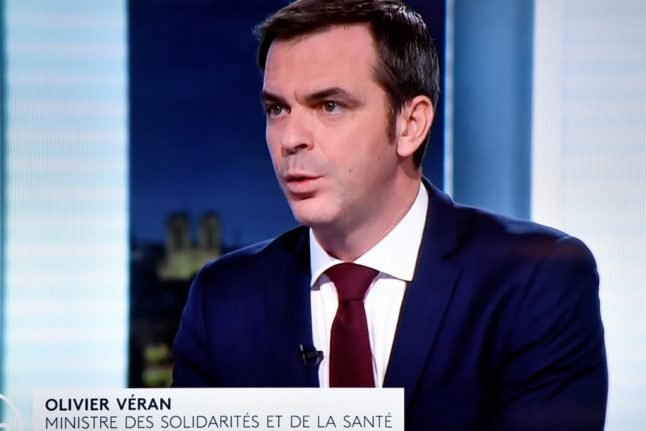 No return to lockdown but plans for earlier curfew, announces France's health minister