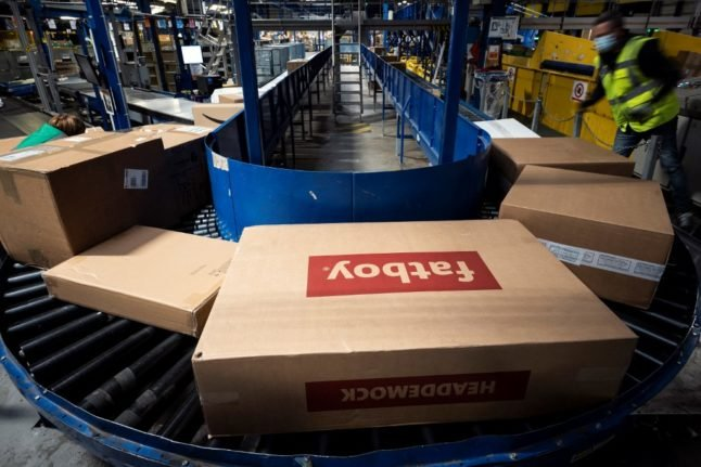 Warnings issued over Christmas parcel scams in France