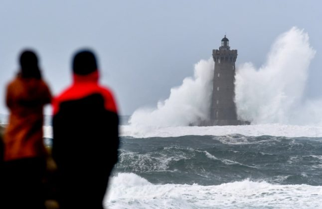 Thousands without electricity as Storm Bella hits France