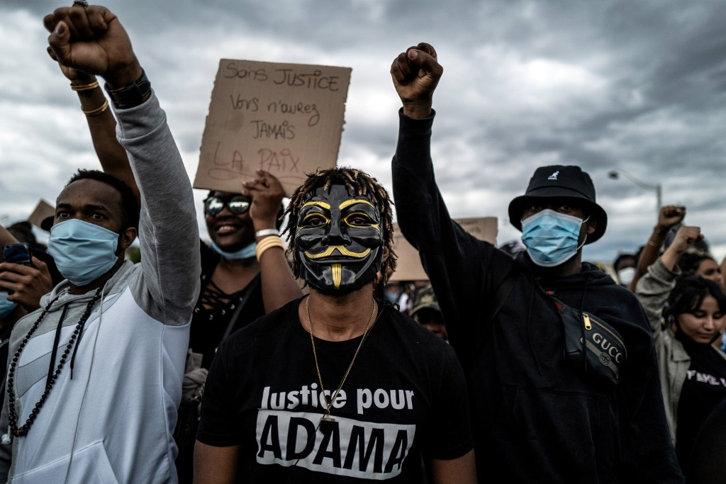French police played role in death of black man in custody: report
