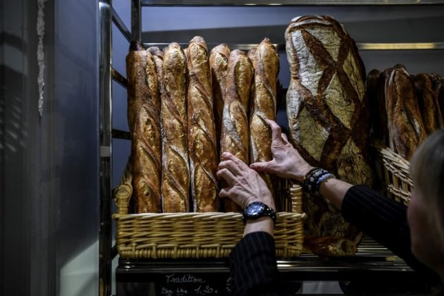 320 eaten every second: What you need to know about the French baguette