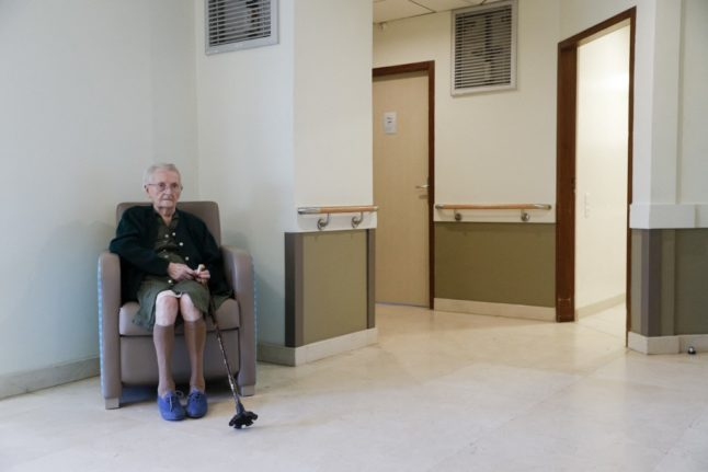 France rapped for Covid ban on outings from care homes