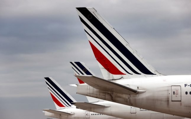 France to trial 'vaccine passport' for flights