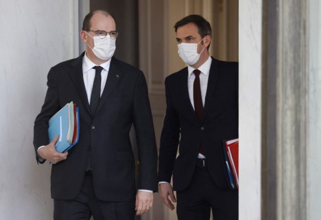 French Prime Minister extends weekend lockdown and promises more weekend vaccinations