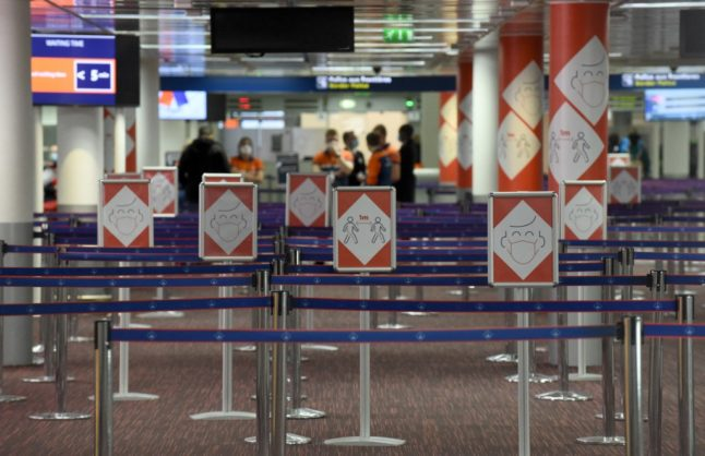 France mulls suspending all flights from India and imposes 10-day quarantine on arrivals