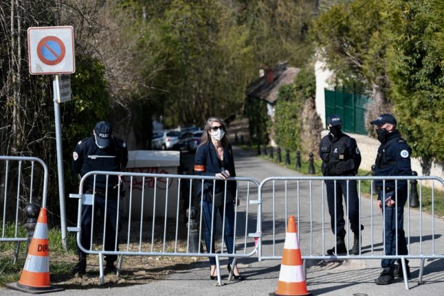French tycoon Tapie tied up and beaten in burglary