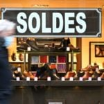 France delays its summer sales period in order to help shop owners
