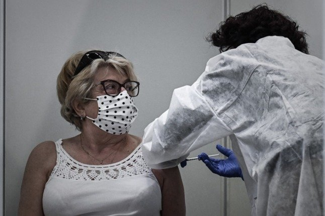 Race to vaccinate in Bordeaux as rare variant detected