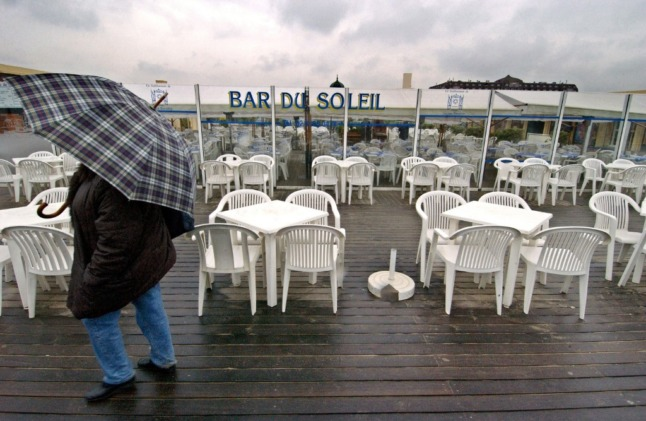 Storms, rain and strong winds forecast for week France's café terraces reopen
