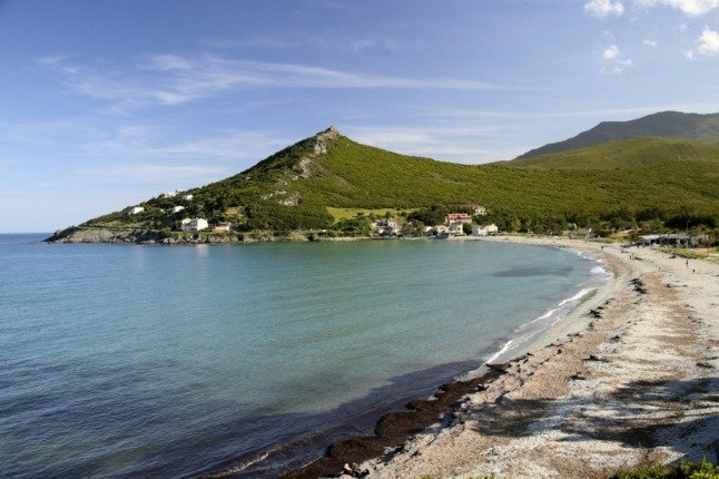 Bathers told to stay away as oil spill nears Corsican coast