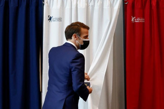 French regional elections: Voters stay away as Macron suffers bad night