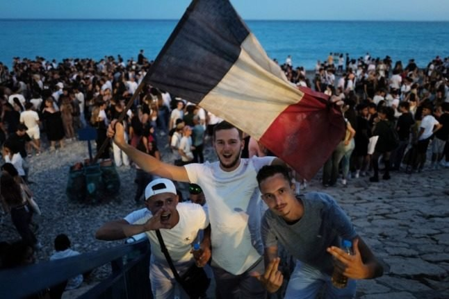 IN PICTURES: France marks annual street music party (including a rave at the Elysée)