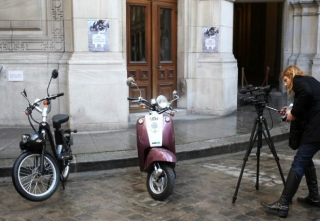 Paris: Motorbike and scooter riders will soon have to pay to park