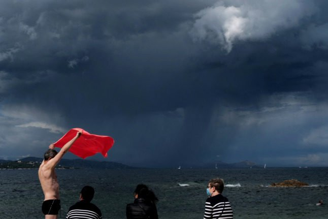 Violent weather returns to France with 15 storm warnings