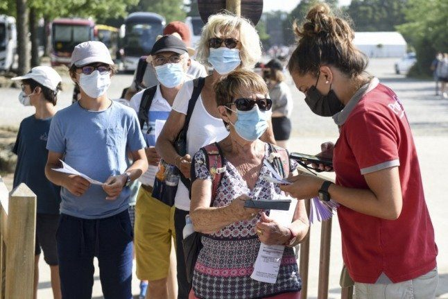 How people vaccinated outside the EU can access the French health passport