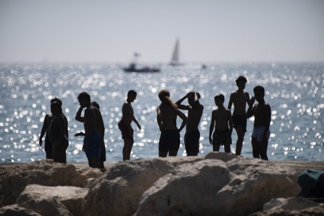 France to swelter in 40C temperatures as heat dome pushes north
