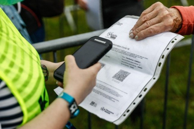 Fraudsters offer fake health passports for sale in France at €350 each