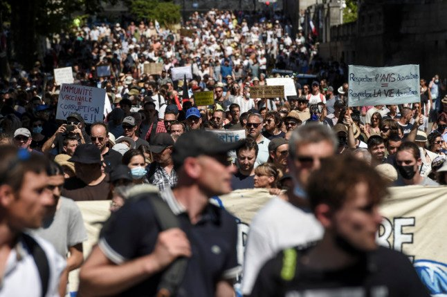 IN PICTURES: France sees fifth weekend of protests against Macron Covid pass