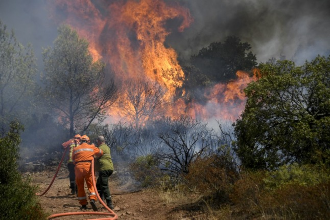 Two dead as French firefighters' battle to contain massive wildfire enters third day