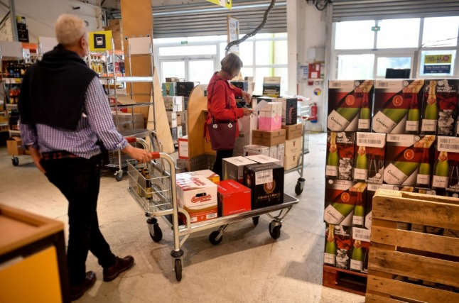 VAT refunds and English-speaking staff: How Calais wine warehouses plan to lure back Brits