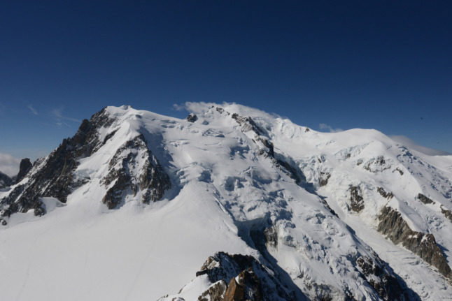 French experts say Mont Blanc has shrunk by almost 1 metre