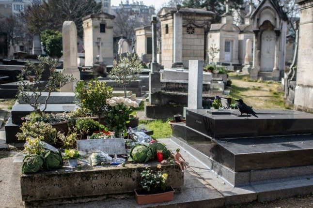 How to register a death and arrange a funeral in France