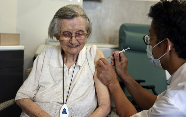 France launches hotline for elderly to get Covid vaccine at home